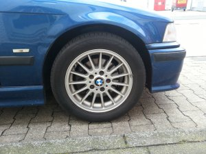 BMW Radialspeiche R 32 Felge in 7x16 ET 47 mit Hankook XXX Reifen in 225/50/16 montiert vorn Hier auf einem 3er BMW E36 320i (Touring) Details zum Fahrzeug / Besitzer
