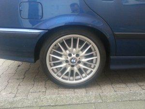 BMW V-Speiche 72 Felge in 8.5x18 ET 50 mit Bridgestone XXX Reifen in 255/35/18 montiert hinten Hier auf einem 3er BMW E36 320i (Touring) Details zum Fahrzeug / Besitzer