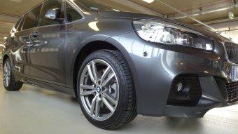 BMW M Performance M Doppelspeiche Styling 486 Felge in 8x18 ET 57 mit Falken  Reifen in 225/45/18 montiert vorn Hier auf einem 2er BMW F46 220d (Gran Tourer) Details zum Fahrzeug / Besitzer