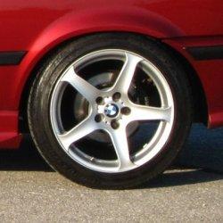 AEZ Icon 5 Felge in 7x17 ET 42 mit Bridgestone RE 050 A Reifen in 225/45/17 montiert hinten Hier auf einem 3er BMW E36 316i (Compact) Details zum Fahrzeug / Besitzer