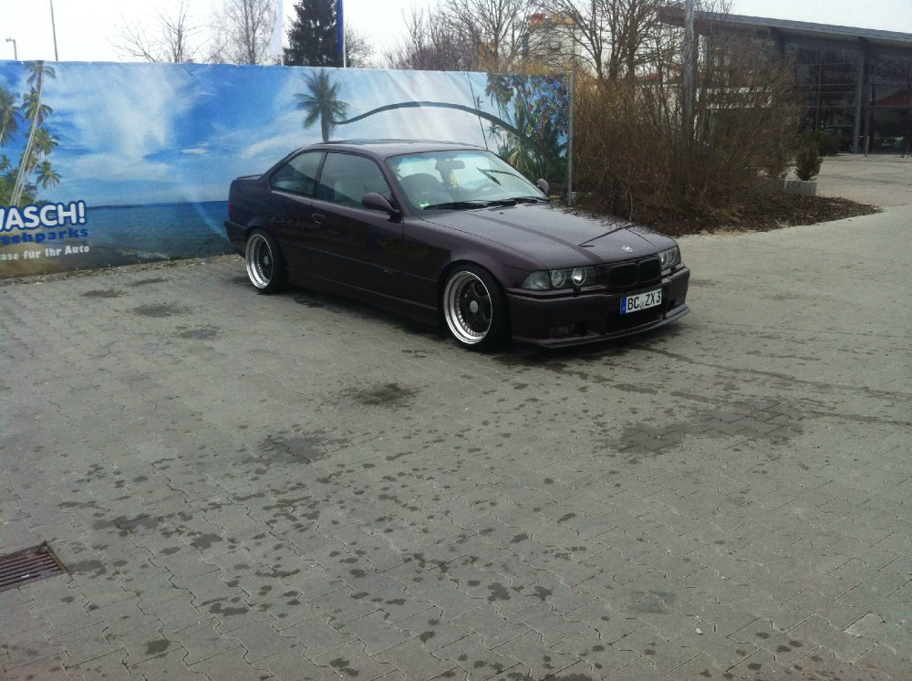 Brokatrote Schönheit - 3er BMW - E36