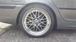 Rial Daytona Race Felge in 8.5x18 ET 40 mit Michelin Pilot Sport 3 Reifen in 225/40/18 montiert hinten mit 10 mm Spurplatten und mit folgenden Nacharbeiten am Radlauf: Kanten gebördelt Hier auf einem 3er BMW E46 320i (Touring) Details zum Fahrzeug / Besitzer