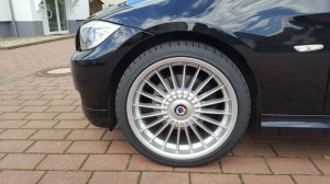 Alpina Klassig Felge in 8x19 ET 34 mit Dunlop SP Reifen in 235/35/19 montiert vorn Hier auf einem 3er BMW E91 320d (Touring) Details zum Fahrzeug / Besitzer