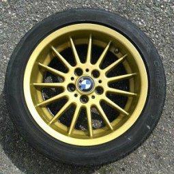 BMW Radial-Styling 32 Brilliantline Felge in 8x17 ET 20 mit - Eigenbau -  Reifen in 235/45/17 montiert hinten Hier auf einem 5er BMW E39 525d (Touring) Details zum Fahrzeug / Besitzer
