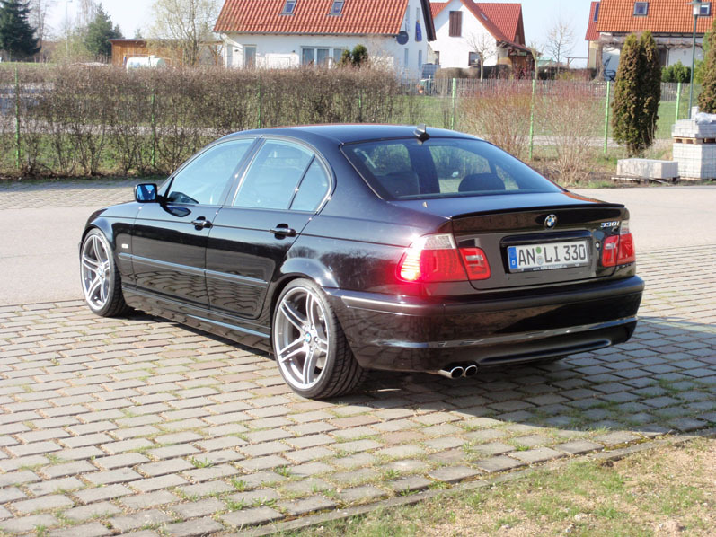 e46 330i schwarz performance 313 3er bmw e46. Black Bedroom Furniture Sets. Home Design Ideas
