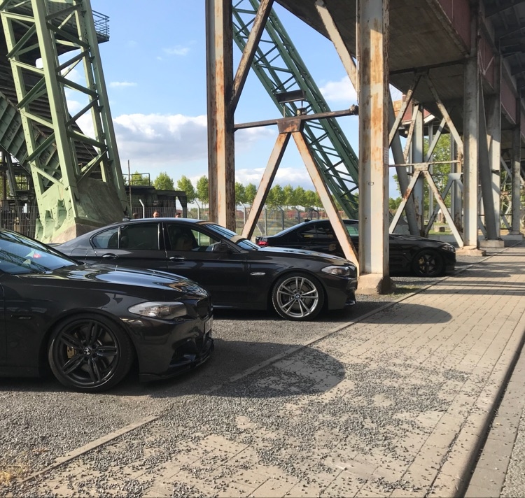 BMW F10 530d sophistograu - 5er BMW - F10 / F11 / F07