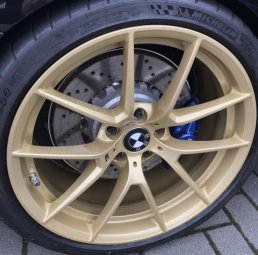 BMW M Performance CS Felge in 10x20 ET  mit Michelin Pilot Cup 2 Reifen in 285/30/20 montiert hinten mit 12 mm Spurplatten Hier auf einem 4er BMW F82 M4 (Coupe) Details zum Fahrzeug / Besitzer