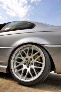 BMW Styling 163 Felge in 9.5x19 ET 27 mit Falken FK453 Reifen in 225/35/19 montiert hinten mit 10 mm Spurplatten und mit folgenden Nacharbeiten am Radlauf: gebördelt und gezogen Hier auf einem 3er BMW E46 330i (Coupe) Details zum Fahrzeug / Besitzer