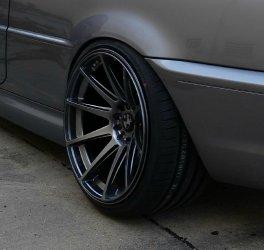 - NoName/Ebay - JapanRacing JR11 Felge in 11x19 ET 25 mit Hankook S1 Evo Reifen in 265/30/19 montiert hinten und mit folgenden Nacharbeiten am Radlauf: massive Aufweitung Hier auf einem 3er BMW E46 330i (Coupe) Details zum Fahrzeug / Besitzer