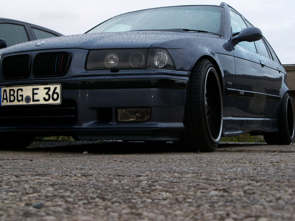 Stahlblau Touring 318is - 3er BMW - E36