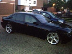 BMW Styling 128 Felge in 9.5x21 ET  mit BMW Michelin Pilot Sport Reifen in 285/30/21 montiert hinten mit 30 mm Spurplatten Hier auf einem 7er BMW E65 730d (Limousine) Details zum Fahrzeug / Besitzer