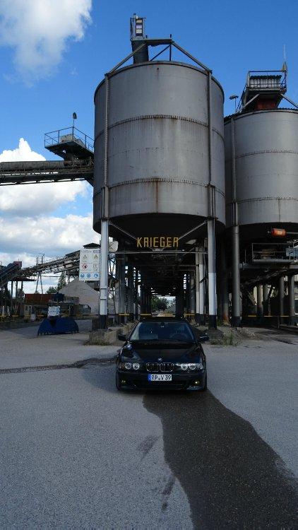 Oxfordgrüner V8 - 5er BMW - E39