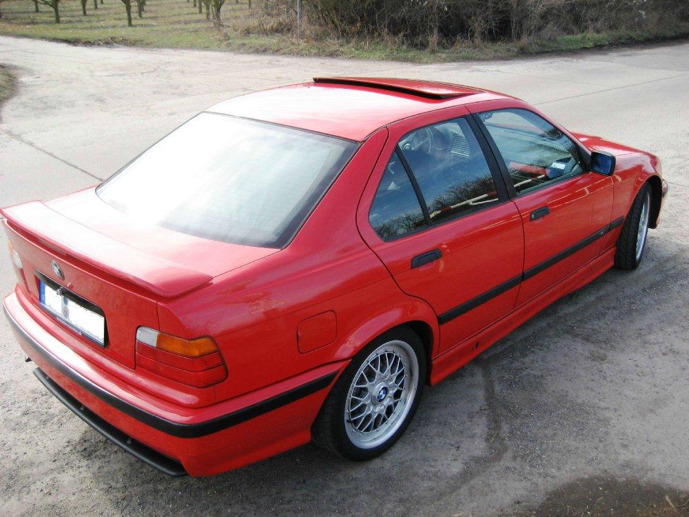 BMW E36 M-Paket Limousine in hellrot - 3er BMW - E36