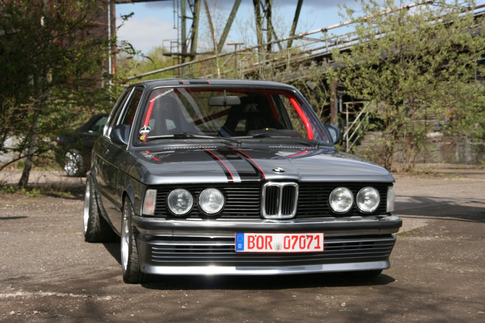 e 21 oldschoolracer fotostories weiterer bmw modelle youngtimer tuning fotos bilder. Black Bedroom Furniture Sets. Home Design Ideas