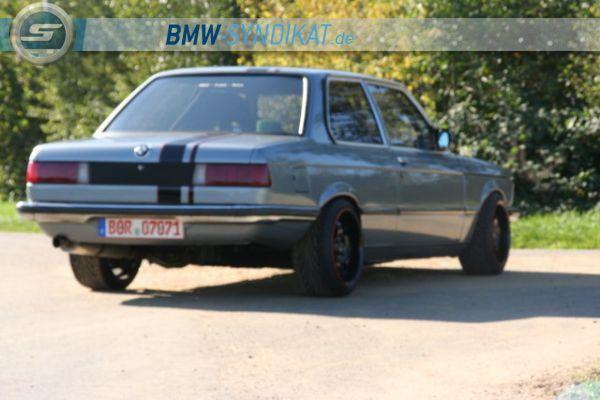 E 21 oldschoolracer - Fotostories weiterer BMW Modelle - bmwe21eppman027.jpg