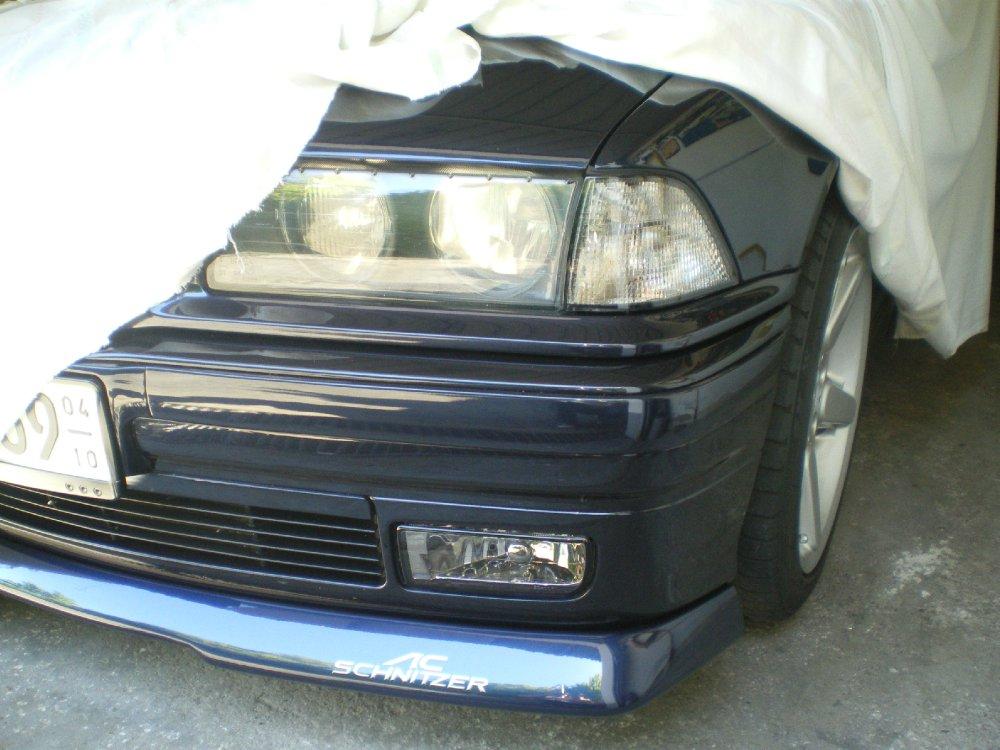 BMW 320i Cabrio orientblau - 3er BMW - E36