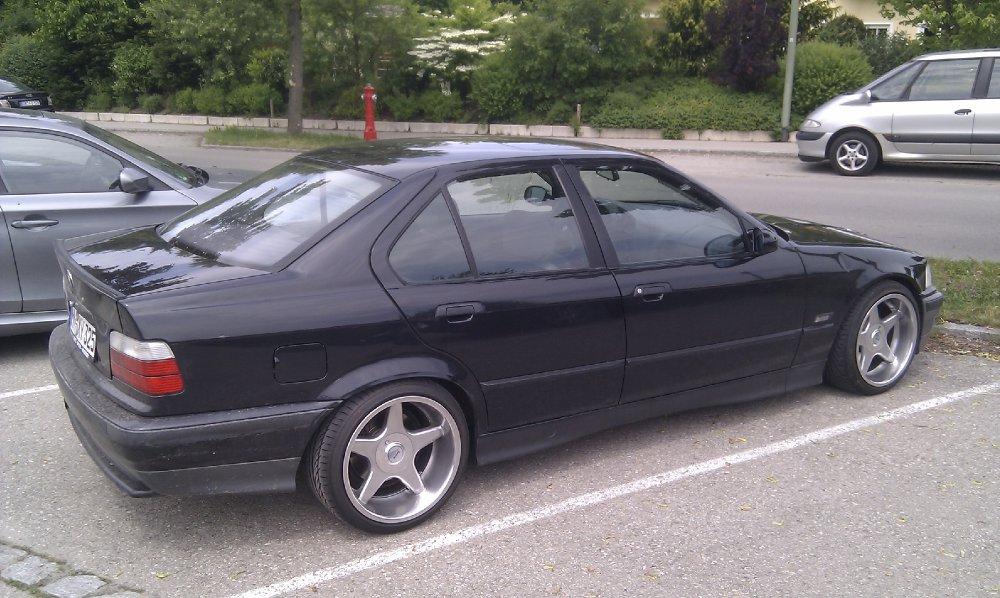 325i E36 Black 3er BMW