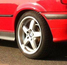 - NoName/Ebay -  Felge in 8.5x17 ET 35 mit Michelin Pilot Sport Reifen in 215/45/17 montiert hinten Hier auf einem 3er BMW E36 316i (Compact) Details zum Fahrzeug / Besitzer