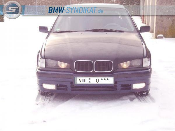 Mein E36 - 3er BMW - E36 - Mein E36.mit noch unlackierter Motorhaube die ich zwischen 20.Dezember 2010 und 3.Januar 2011 zum Bösen Blick umgearbeitet habe !.jpg