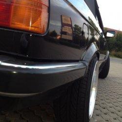- NoName/Ebay - Lenso BSX Felge in 9x16 ET 20 mit Continental  Reifen in 215/40/16 montiert hinten mit 15 mm Spurplatten und mit folgenden Nacharbeiten am Radlauf: Kanten gebördelt Hier auf einem 3er BMW E30 325e (Cabrio) Details zum Fahrzeug / Besitzer