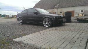 Rial Nogaro Felge in 9x19 ET 20 mit Falken  Reifen in 225/35/19 montiert vorn Hier auf einem 3er BMW E46 330i (Coupe) Details zum Fahrzeug / Besitzer