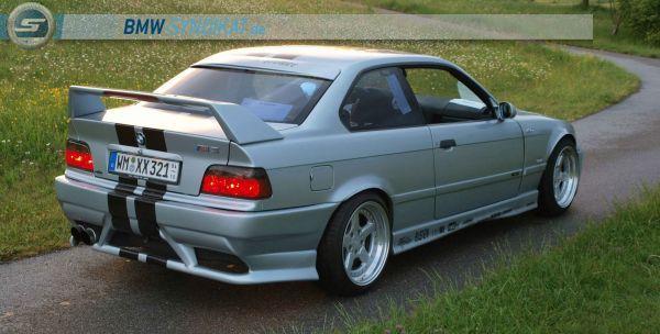 E36 M3 3.2 Coupe - 3er BMW - E36 - hinten (2).jpg