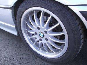 - NoName/Ebay - Intra Felge in 7.5x17 ET 41 mit Continental Sport Reifen in 235/45/17 montiert hinten Hier auf einem 3er BMW E36 328i (Cabrio) Details zum Fahrzeug / Besitzer