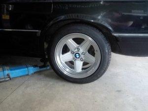 - NoName/Ebay - Penta P1680 Felge in 8x17 ET 20 mit Semperit  Reifen in 205/50/16 montiert hinten Hier auf einem 5er BMW E28 528i (Limousine) Details zum Fahrzeug / Besitzer