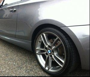 BMW M Doppelspeiche 261 Felge in 8.5x18 ET  mit Bridgestone Potenza Reifen in 245/35/18 montiert hinten Hier auf einem 1er BMW E81 118d (3-Türer) Details zum Fahrzeug / Besitzer
