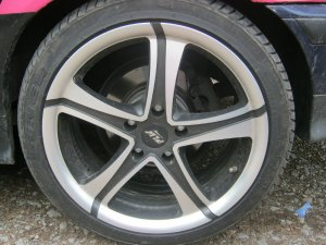 Proline (PLW) PXZ.8018 Felge in 8x18 ET 38 mit - NoName/Ebay - YS 618 Reifen in 225/40/18 montiert hinten mit 15 mm Spurplatten Hier auf einem 3er BMW E36 320i (Touring) Details zum Fahrzeug / Besitzer