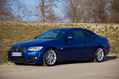 325I LeMans Blau - 3er BMW - E90 / E91 / E92 / E93