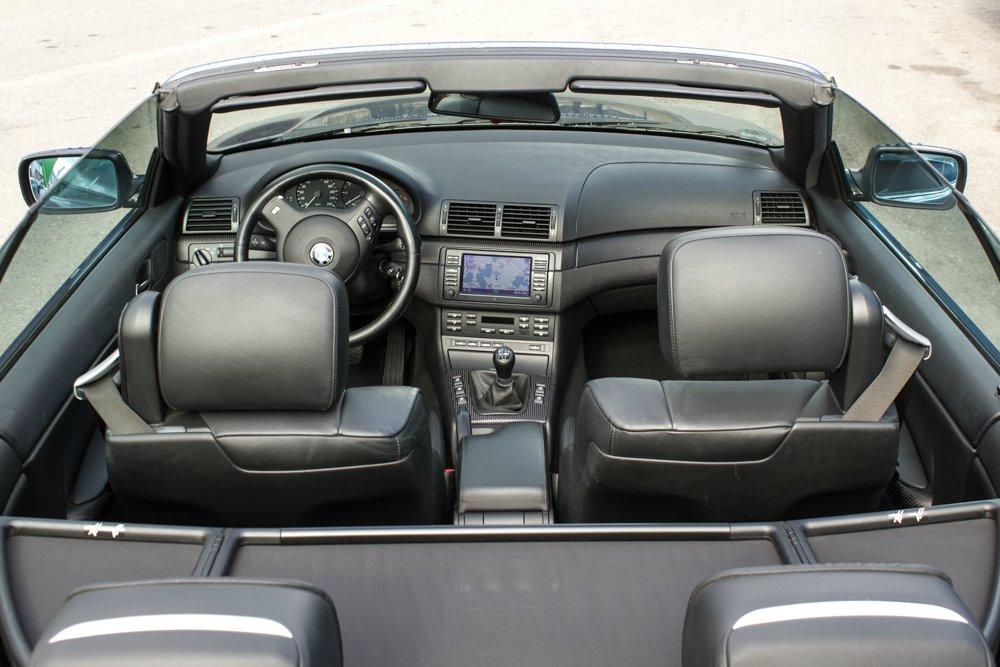 Le-Mans-Blaues 325i Cabrio - 3er BMW - E46