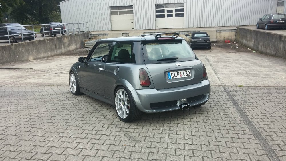 mini cooper s jcw r53 fotostories weiterer bmw modelle. Black Bedroom Furniture Sets. Home Design Ideas