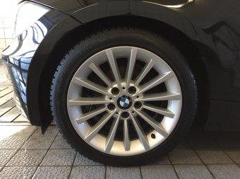 BMW Styling 284 Felge in 8x17 ET 34 mit Dunlop Wintersport 5 Reifen in 225/45/17 montiert vorn Hier auf einem 1er BMW E81 118d (3-Türer) Details zum Fahrzeug / Besitzer