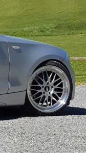 - Eigenbau - IB Le Mans Felge in 8.5x19 ET 35 mit Hankook Ventus S1 Evo 2 Reifen in 225/35/19 montiert vorn und mit folgenden Nacharbeiten am Radlauf: gebördelt und gezogen Hier auf einem 1er BMW E87 118d (5-Türer) Details zum Fahrzeug / Besitzer