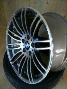 BMW Performance Sty. 269 Felge in 8.5x19 ET 18 mit Continental Sportcontact 2 Reifen in 245/35/19 montiert vorn Hier auf einem 5er BMW E60 525i (Limousine) Details zum Fahrzeug / Besitzer