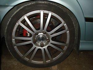 AEZ Cyber Felge in 8x18 ET 20 mit kumho  Reifen in 235/40/18 montiert hinten mit 20 mm Spurplatten und mit folgenden Nacharbeiten am Radlauf: Kanten gebördelt Hier auf einem 5er BMW E39 523i (Touring) Details zum Fahrzeug / Besitzer