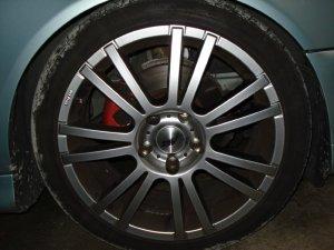 AEZ Cyber Felge in 8x18 ET 20 mit kumho  Reifen in 235/40/18 montiert vorn mit 20 mm Spurplatten und mit folgenden Nacharbeiten am Radlauf: Kanten gebördelt Hier auf einem 5er BMW E39 523i (Touring) Details zum Fahrzeug / Besitzer