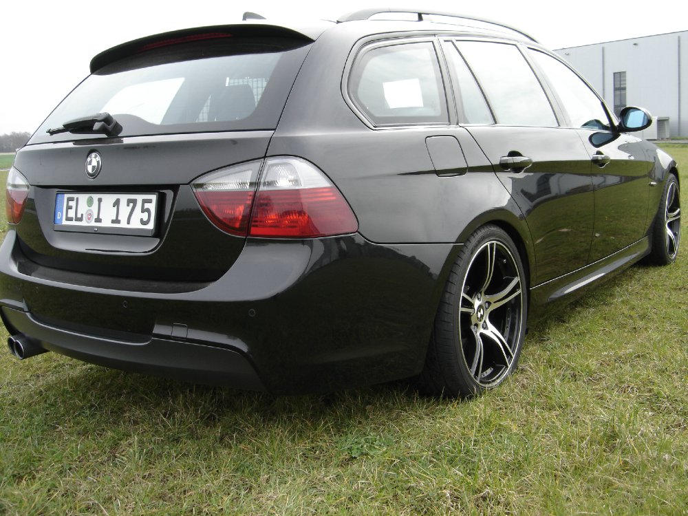 Black Sapphire - 3er BMW - E90 / E91 / E92 / E93