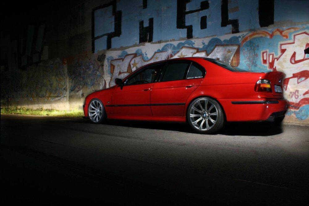 "oem-works Limousine Projekt ""Die rote Zora"" - 5er BMW - E39"