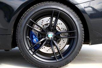 BMW M V-Speiche 641 Felge in 9x19 ET 29 mit Continental Winter Contact TS830P* Reifen in 255/35/19 montiert hinten Hier auf einem 4er BMW F82 M4 (Coupe) Details zum Fahrzeug / Besitzer