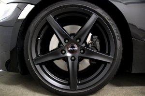 Ronal R41 Felge in 8x18 ET 35 mit Pirelli P Zero RF Reifen in 225/40/18 montiert vorn Hier auf einem Z4 BMW E86 3.0si (Coupe) Details zum Fahrzeug / Besitzer