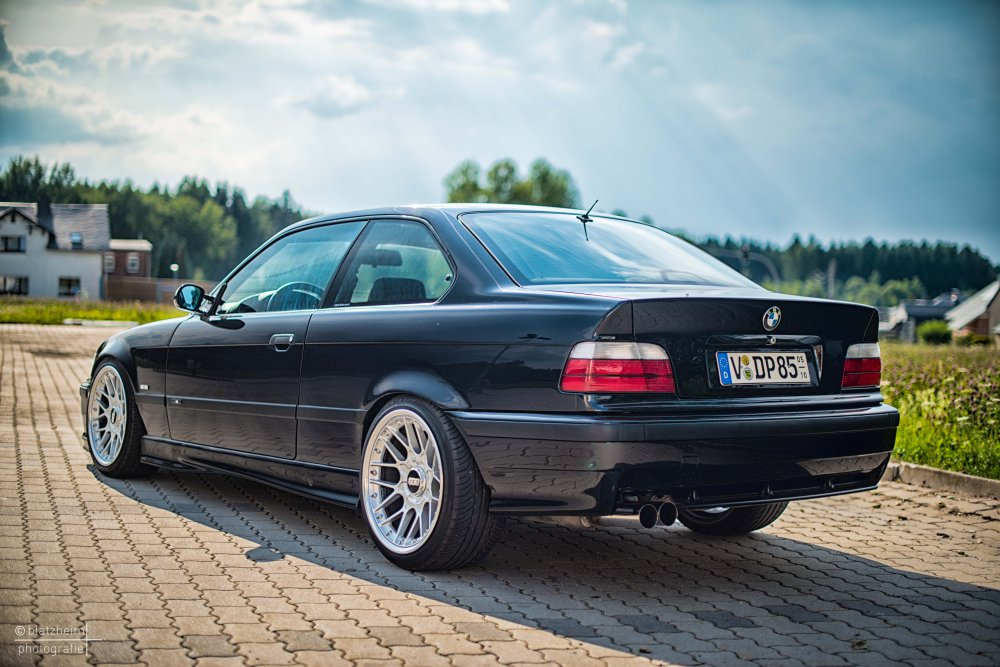 e36 coupe 320i cosmosschwarz 3er bmw e36 coupe tuning fotos bilder stories. Black Bedroom Furniture Sets. Home Design Ideas