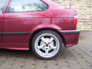 AEZ J 807.OY.30 Felge in 8x17 ET 30 mit kumho KU31 SPT ECSTA XL Reifen in 215/40/17 montiert hinten Hier auf einem 3er BMW E36 316i (Compact) Details zum Fahrzeug / Besitzer
