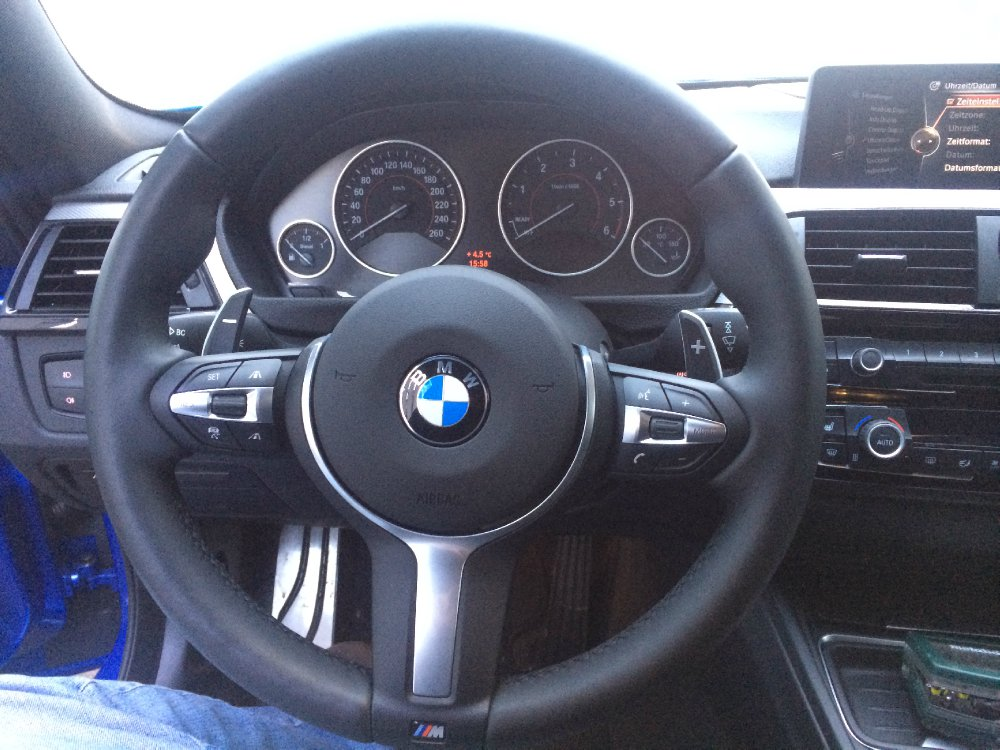 bmw m lenkrad f model lci m4 wippen bmw 1er 2er. Black Bedroom Furniture Sets. Home Design Ideas