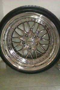 Kerscher Cs Felge in 10x17 ET 13 mit Dunlop  Reifen in 215/40/17 montiert vorn und mit folgenden Nacharbeiten am Radlauf: massive Aufweitung Hier auf einem 3er BMW E36 323ti (Compact) Details zum Fahrzeug / Besitzer