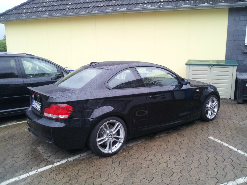 e82 135i kleiner einser 1er bmw e81 e82 e87 e88 coupe tuning fotos bilder. Black Bedroom Furniture Sets. Home Design Ideas