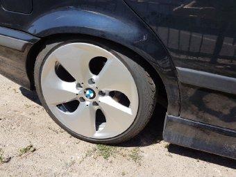 BMW Hybrid Felge in 8x17 ET 30 mit Syron Race Reifen in 205/40/17 montiert hinten und mit folgenden Nacharbeiten am Radlauf: Kanten gebördelt Hier auf einem 3er BMW E36 328i (Touring) Details zum Fahrzeug / Besitzer