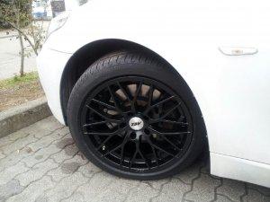 AEZ Antigua Dark Felge in 8x18 ET 20 mit Pirelli Cinturato P7 Reifen in 245/40/18 montiert vorn Hier auf einem 5er BMW E61 520d (Touring) Details zum Fahrzeug / Besitzer