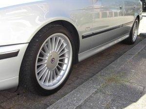 Alpina AlpinaB3 Felge in 7.5x18 ET 20 mit Dunlop SP SPORT 9000 Reifen in 235/40/18 montiert vorn Hier auf einem 5er BMW E39 528i (Touring) Details zum Fahrzeug / Besitzer